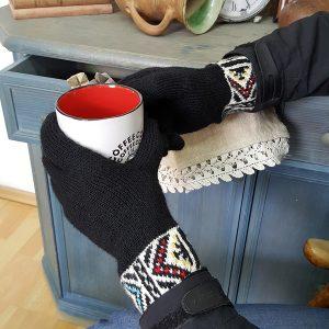 Knitted Handwear