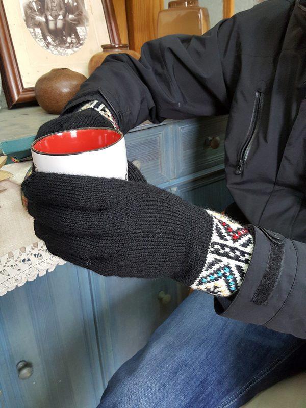 Black Knitted Gloves
