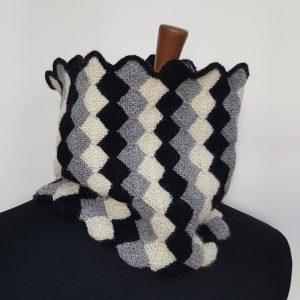 monochrome knit winter scarf