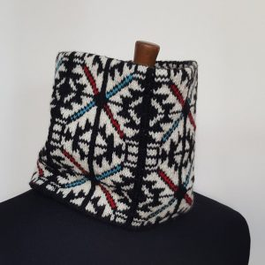 hand knitted collar scarf