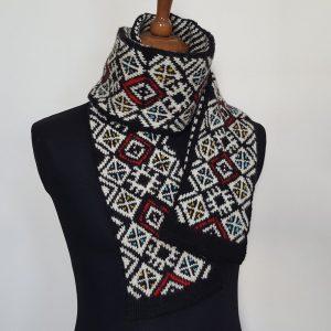 jacquard knit scarf